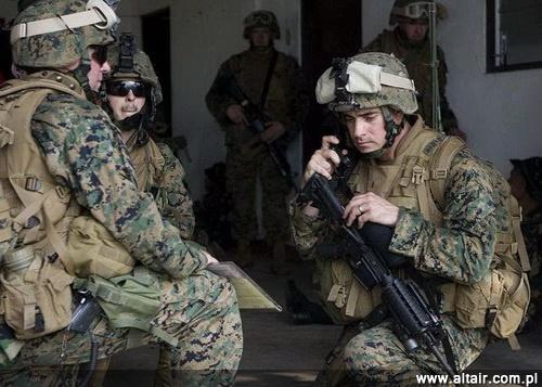 Marines chronieni przez LWH / Zdjęcie: USMC